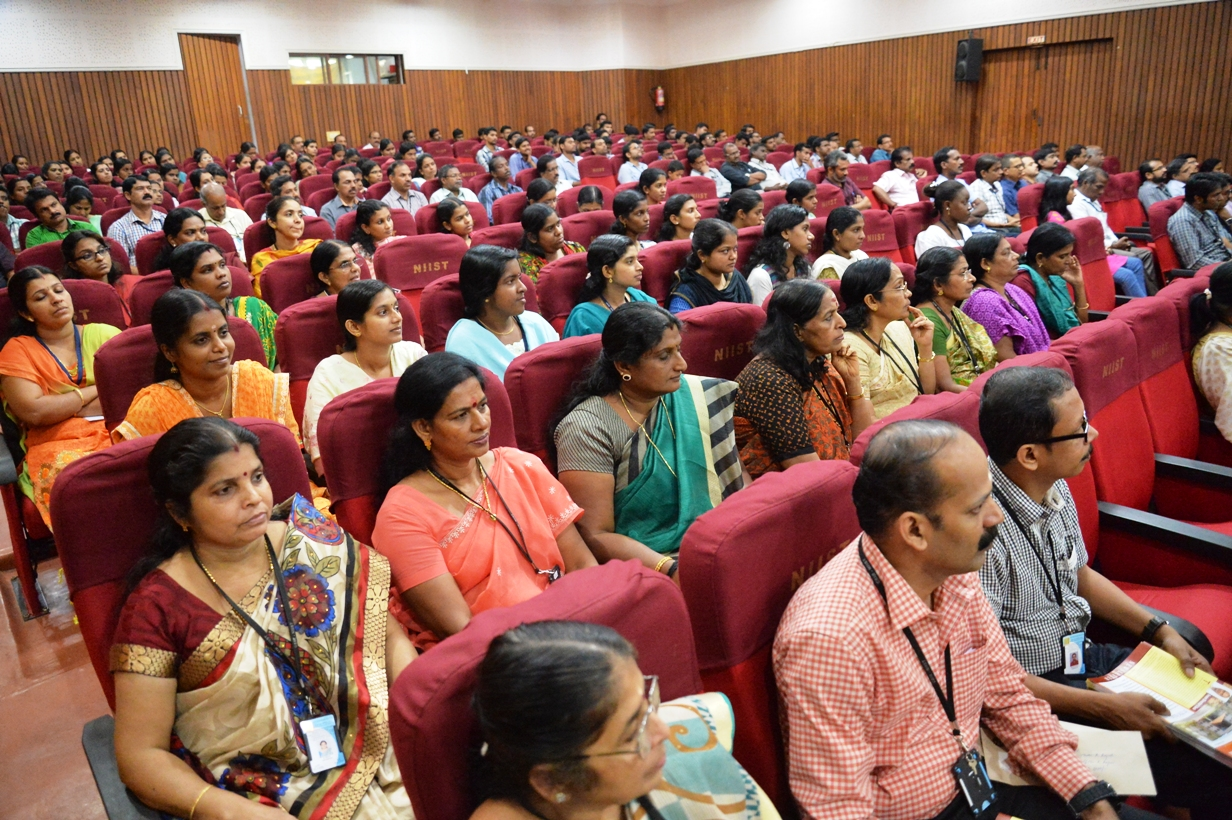 /wp-content/gallery/csir-foundationday/2.JPG