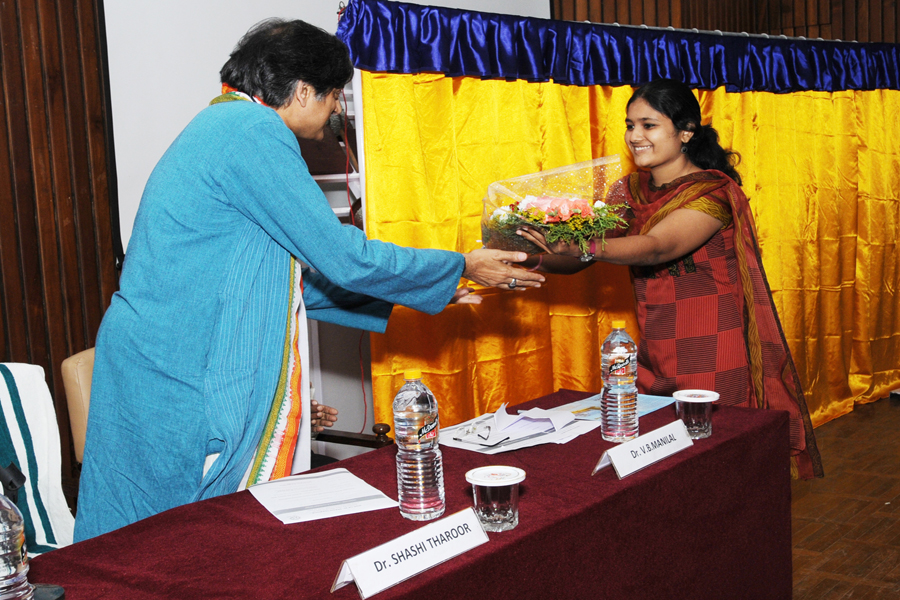 /wp-content/gallery/dr-tharoors-visit/3-2.jpg
