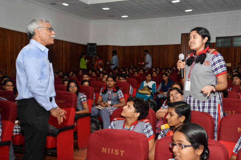 /wp-content/gallery/science-outreach-program-2018//Science_out_Reach_Programme_Sep-14-2018_CSIR-NIIST-8.JPG